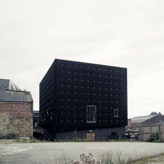 Black cube structure