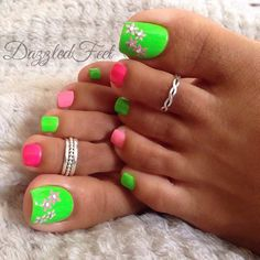 Green & Pink Toe Nail Design