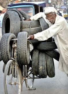 The Loads We Carry on Bicycles! : ALL THINGS PAKISTAN