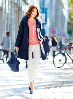 【着まわしday1】ツイーディダウンコート×ピンクニット×白コーデュロイパンツ | ファッション コーディネート | with online on ウーマンエキサイト