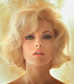 The Perfect Italian Beauty: 56 Georgous Photos of Young Virna Lisi From the and ~ vintage everyday Italian Hair, Italian Beauty, Italian Actress, Pin Curls, Monica Bellucci, Short Hairstyles For Women, 1960s Hairstyles, Boho, In Hollywood