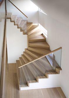 Interior Stair Railing, Modern Stair Railing, Stair Railing Design, Staircase Railings, Wooden Staircases, Stair Decor, Modern Stairs, Hallway Designs, House Stairs
