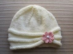 Knitting Pattern Girls Hat with Rolled Brim and a Flower in sizes months and years - Stirnband stricken Baby Hats Knitting, Baby Knitting Patterns, Free Knitting, Knitted Hats, Crochet Patterns, Baby Hat Patterns, Knitting Sweaters, Knitting Needles, Knitting Yarn