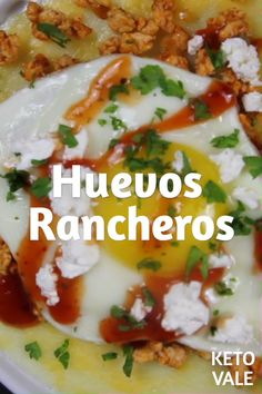 This Huevos Rancheros is best served with keto-friendly cheese shell tortillas. Check our recipe to learn how to keep it low carb. Ketogenic Recipes, Diet Recipes, Healthy Recipes, Ketogenic Diet, Protein Recipes, Healthy Food, Low Carb Breakfast, Breakfast Recipes, Pollo Keto