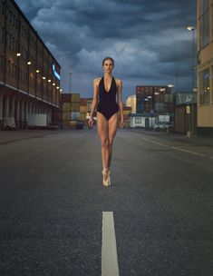 ballerina in Frihamnen - ballerina project S