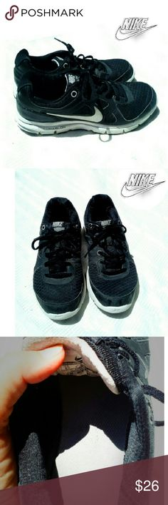"NIKE Y LUNARLON BLACK ""FOREVER"" SNEAKERS NIKE YOUTH LUNARLON FOREVER BLACK SNEAKERS Pre-Loved/ ""Forever"" *.  Size 6Y  *.  Black w/ White *   No Tears or Nicks Please See All Pics. Ask Questions if Needed Nike Shoes Sneakers"
