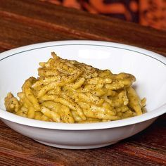 Trofie in crema di broccoli e pecorino – Rezepte Veggie Recipes, Wine Recipes, Pasta Recipes, Vegetarian Recipes, Italian Pasta Dishes, Italy Food, Food Humor, How To Cook Pasta, Relleno