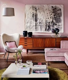 50s interior in pastell pink and cool modern elements.