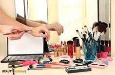 8 reguli în îngrijirea pensulelor de machiaj Iubim pensulele de machiaj. Ele ne ajută să obținem rezultatele pe care ni le dorim, cu minimul de efort. Aplicarea fardurilor devine mai ușoară, mai precisă, avem pensule speciale pentru ochi și pentru ten și în general investim mulți bani în ele. Diffuser