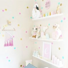 Habitación infantil niña fashion https://dolcevinilo.es/vinilo-infantil-topos-dos-colores #habitacion #habitaciones #infantil #infantiles #bebe #ideas #decoracion #pared #vinilo #vinilos #decorativos #vinilosdecorativos #habitacioninfantil #habitacionesinfantiles #habitacionbebe #habitacionesbebe #vinilosdecorativos #vinilosinfantiles #decoracioninfantil #decoracionbebe #niña #niñas   #fashion #style #topos #princesa #rosa #mint #oro #dorado