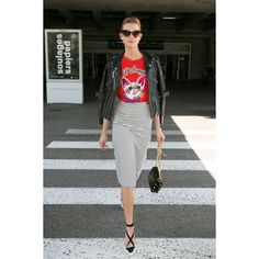 The Best in Celebrity Airport Style ❤ liked on Polyvore featuring karlie kloss
