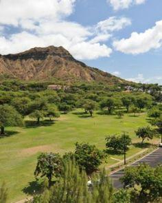 Aqua Lotus Honolulu is a luxe retreat between a beach and Diamond Head, an extinct volcano. #Jetsetter  http://www.jetsetter.com/hotels/hawaii/honolulu/2184/aqua-lotus-honolulu?nm=collection=2