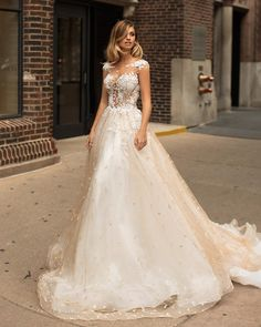 Chicago campaign ⭐️#millanova #millanova2018 #weddingdress #wedding