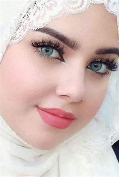 Most Beautiful Eyes, Lovely Eyes, Stunning Eyes, Beautiful Hijab, Beautiful Muslim Women, Beautiful Girl Indian, Beautiful Girl Image, Cute Beauty, Beauty Full Girl