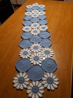 Crochet Table Mat, Crochet Doily Rug, Crochet Table Runner Pattern, Crochet Placemats, Crochet Snowflakes, Crochet Flowers, Knit Crochet, Crochet Designs, Crochet Patterns