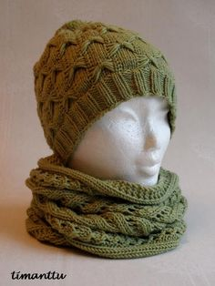 Samaisesta langasta, kuin eilen postaamani tuubihuivi, syntyi sille kaveriksi pipo, tuolla ihanalla Butterfly Hat ohjeella, jolla olen te... Knitted Hats, Crochet Hats, Winter Hats, Beanie, Sewing, Knitting, Sweaters, Butterfly, Knits