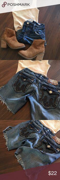 MEK Denim cut off short jeans Cute and cute MEK denim. MEK Shorts Jean Shorts