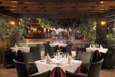 "Restaurants und Bars Bufett-Restaurant ""El Jable"" mit Live-Kochvorführungen  Grill-Restaurant am Pool  À la carte-Restaurant ""La Tosca""  Piano-Bar ""Adeje""  Bar ""La Choza"" neben dem Swimmingpool"