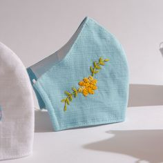 Embroidery Flowers Pattern, Hand Embroidery Designs, Diy Embroidery, Embroidered Flowers, Embroidery Stitches, Face Masks For Kids, Easy Face Masks, Diy Face Mask, Crochet Mask