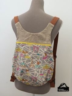 Backpack, I include Fem Detalls pattern (at the end of the post)- Mochila, incluyo patrón de Fem Detalls (al final del post) Neus pattern backpack - Diy Sac, Diy Backpack, Backpack Pattern, Patchwork Bags, Fabric Bags, Handmade Bags, Diy Clothes, Purses And Bags, Sewing Patterns