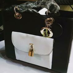 Dior  Price Rs 3500 Free home delivery in Pakistan Cash on delivery For order contact us on 03122640529