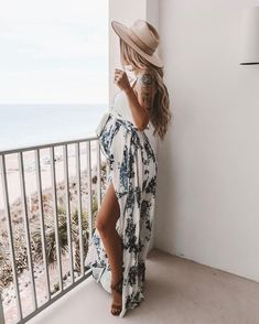 Flowy dress perfect for pregnancy xx – Rund ums Kind – Robe fluide parfaite pour la grossesse xx – Rund ums Kind – Summer Maternity Fashion, Cute Maternity Outfits, Stylish Maternity, Stylish Pregnancy, Maternity Styles, Pregnant Fashion Summer, Flowy Maternity Dress, Maternity Fashion Dresses, Maternity Dresses Summer