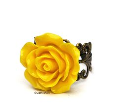 Yellow Rose Ring Vintage Style Jewelry by LizHutnick on Etsy, $10.00
