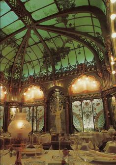 Art Nouveau dining room of the restaurant La Fermette Marbeuf, Paris