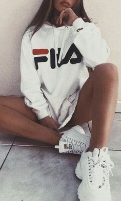 urban outfitters fila outfit ideas for teens - Outfits Tumblr Outfits, Mode Outfits, Sport Outfits, Cute Sneaker Outfits, Female Outfits, Insta Outfits, Instagram Outfits, Fila Sweat, Urban Outfitters Outfit