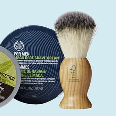 For men Maca Root -tuotteet: partavaahto 21,50 € /200 ml, After Shave -balsami 17,90 €/100 ml. Puinen partasuti 15,30 €. The Body Shop, 1. krs.