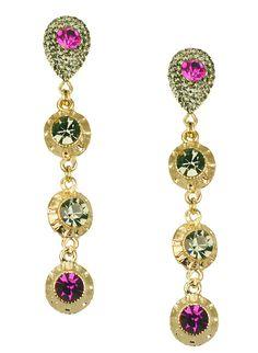 Brinco Dourado, folheado a ouro com pedras de cristais swarovski rosa pink e fumê esverdeado, modelo comprido.
