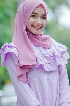 10 Ide Wanita Wanita Kecantikan Jilbab Cantik