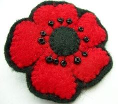 fun felt sewing tutorials & embroidery patterns by lupin Felt Crafts, Fabric Crafts, Quilt Patterns, Sewing Patterns, Poppy Pins, Poppy Brooches, Felt Decorations, Sewing For Beginners, Felt Ornaments