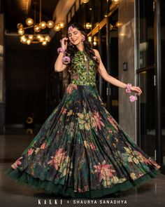 Buy Traditional Indian Clothing & Wedding Dresses for Women - Kalkifashion Indian Lehenga, Indian Gowns, Indian Wear, Indian Designer Outfits, Indian Outfits, Yellow Lehenga, Mehendi Outfits, Lehenga Wedding, Crop Tops Online