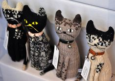 Little Fashion Week {mishmash} - Paul & Paula Knitted Cat, Knitted Animals, Sock Animals, Knitted Dolls, Clay Animals, Crochet Wool, Cat Doll, Cat Crafts, Little Fashion