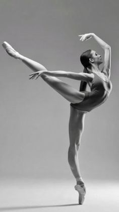 Valeria Frishman-Boris Eifman Dance Academy-Photo Darian Volkova for World of Ballet