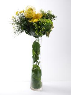 Arreglo floral gran formato. Decoración recepción evento empresarial. Trabajo textural.