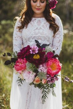 Your bouquet, and the bridesmaids (on a smaller scale) will be modeled after this with a very natural and summery shape