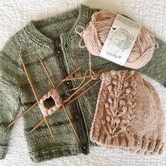 "2,035 Likes, 26 Comments - Esther Carrera (@esthercarrera) on Instagram: ""#knitsonknits I took a break from my tiny bobble sweater when I got to the sleeves. I'm still not…"""