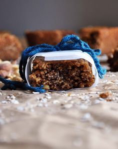 These healthy homemade peanut butter breakfast bars are sweetened with Stevia and Honey, and packed with protein and whole-grain goodness {recipe} Peanut Butter Recipes, Almond Recipes, Baking Recipes, Snack Recipes, Dessert Recipes, Desserts, Brunch Recipes, Breakfast Recipes, Free Recipes