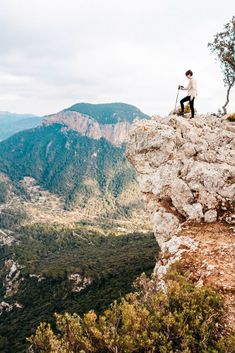 Winter-Wanderung zum Castell d'Alaró Grand Canyon, Mountains, Nature, Travel, Small Bars, Stone Stairs, Mountain Range, Winter Time, Naturaleza