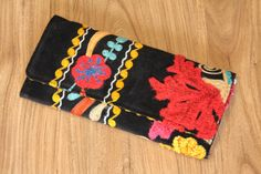 Handmade vintage Suzani embroidered bag  OOAK  clutch by BOHOGRAND, €45.00 Embroidered Bag, Cotton Bag, Clutches, Trending Outfits, Unique Jewelry, Handmade Gifts, Bags, Etsy, Vintage