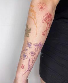 Dainty Tattoos, Pretty Tattoos, Mini Tattoos, Beautiful Tattoos, Body Art Tattoos, Small Tattoos, Cool Tattoos, Tatoos, Galaxie Tattoo