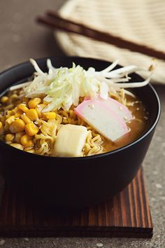 Lucky Me Miso Butter Corn Ramen Ingredients 2 packs Lucky Me pork rib 1 pack Lucky Me chicken na chicken 8 cups water Entree Recipes, Asian Recipes, Soup Recipes, Cooking Recipes, Buttered Corn, Coffee Recipes, International Recipes, Soup And Salad, I Love Food