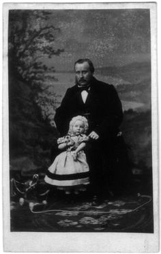 Father and child in mourning, photo by F.W. Deutmann Amsterdam