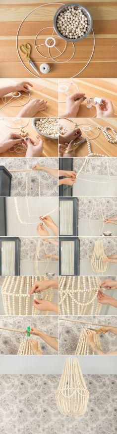 DIY lustre en perles, pourquoi pas avec des perles noir... #DIYHomeDecor