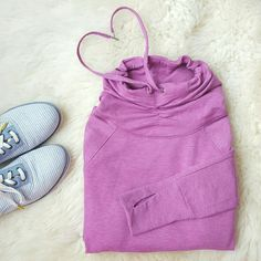 {Victoria's Secret} Sport Thumbhole Sweatshirt -62% polyester, 33% viscose, 5% elastane  -Has thumbholes  -Sides adjust length  -Has slight pilling  -Worn 3-4 times  -Super comfy! ⭐HP 3/7/16 Spring Fling ⭐HP 3/17/16 Best in Tops Victoria's Secret Tops Sweatshirts & Hoodies