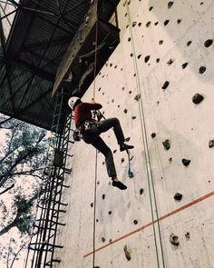 Self ascension technique  | : @alvarochopo | #climbing #indoorclimbing #escalada #rocodromo #logroño #outdoors