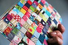 Hottest Free of Charge Sewing gifts fabric scraps Ideas Tasche aus Stoffresten nähen Sewing Hacks, Sewing Crafts, Sewing Projects, Fabric Remnants, Fabric Scraps, Sewing Patterns Free, Free Sewing, Crochet Patterns, Purse Patterns