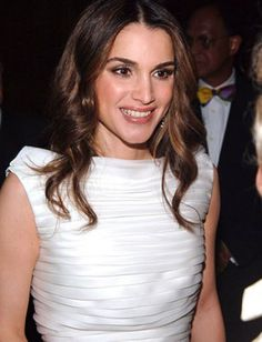 Perempuan Tercantik: Rania Al-Yasin: